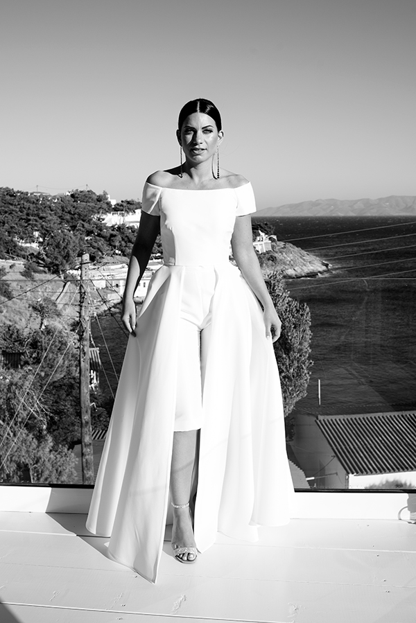 romantic-summer-wedding-kythnos-white-peonies-roses_13