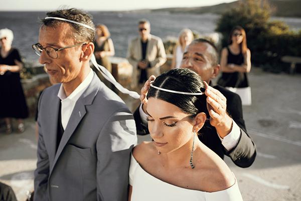 romantic-summer-wedding-kythnos-white-peonies-roses_19