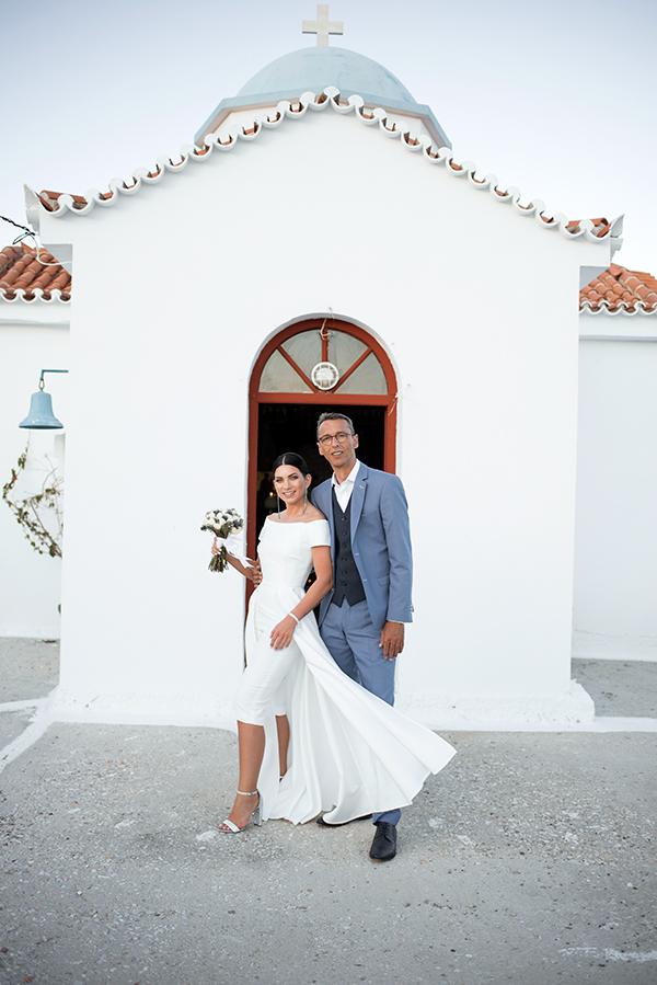romantic-summer-wedding-kythnos-white-peonies-roses_23
