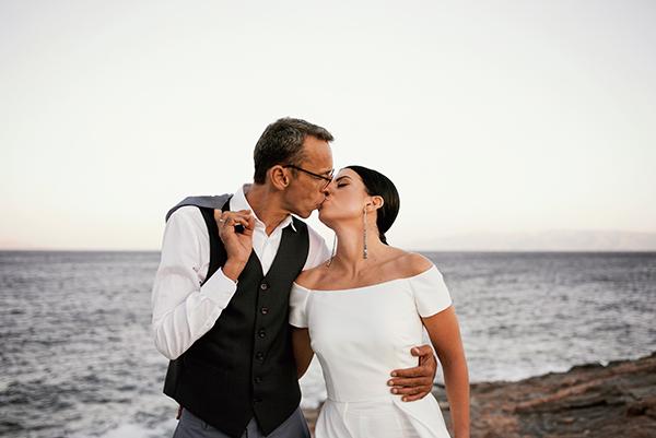 romantic-summer-wedding-kythnos-white-peonies-roses_24