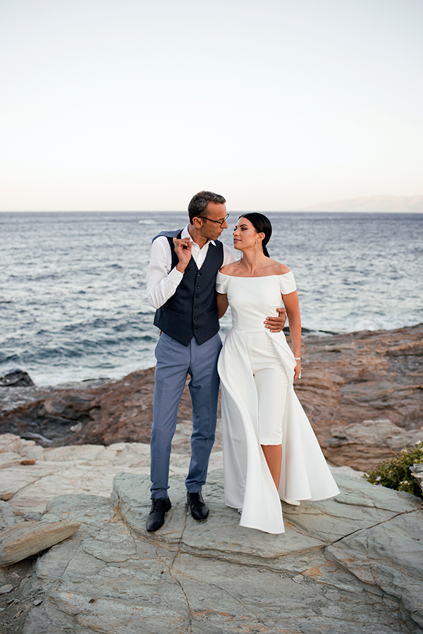 romantic-summer-wedding-kythnos-white-peonies-roses_28