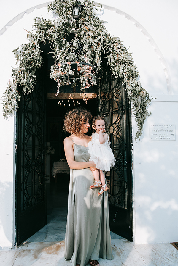 summer-baptism-girl-athens-dried-flowers_03