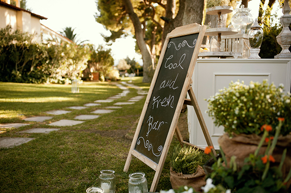 romantic-summer-wedding-athens-roses-levander_10