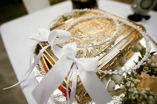romantic-summer-wedding-athens-roses-levander_12x