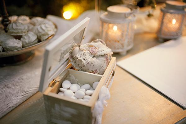 romantic-summer-wedding-athens-roses-levander_21