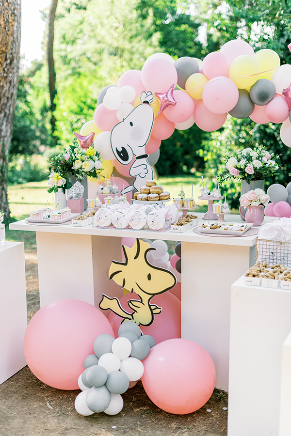 unique-girl-baptism-ideas-pink-yellow-hues-themed-snoopy_02x