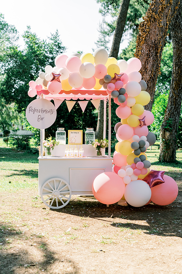 unique-girl-baptism-ideas-pink-yellow-hues-themed-snoopy_03