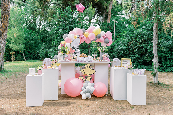 unique-girl-baptism-ideas-pink-yellow-hues-themed-snoopy_04