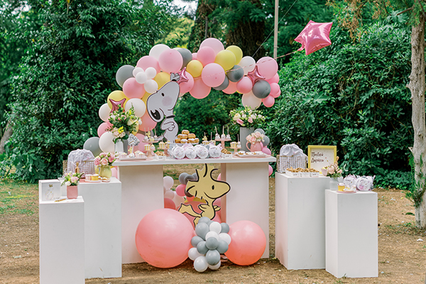 unique-girl-baptism-ideas-pink-yellow-hues-themed-snoopy_09