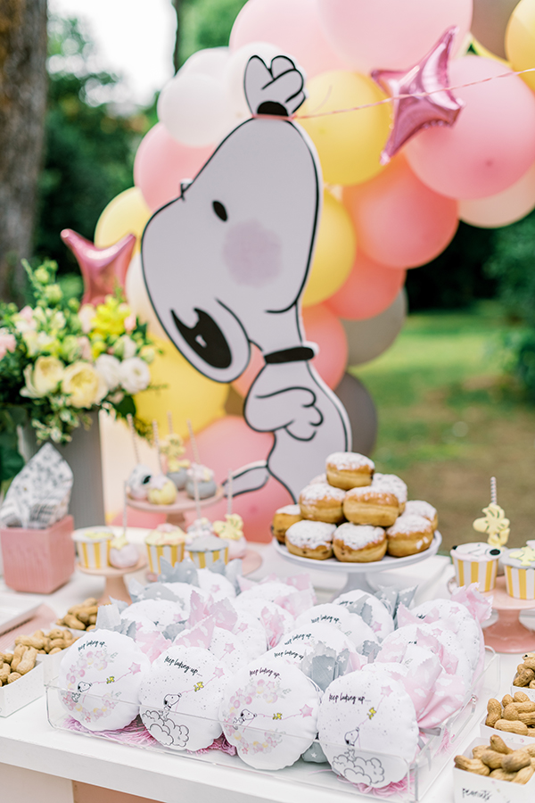 unique-girl-baptism-ideas-pink-yellow-hues-themed-snoopy_10