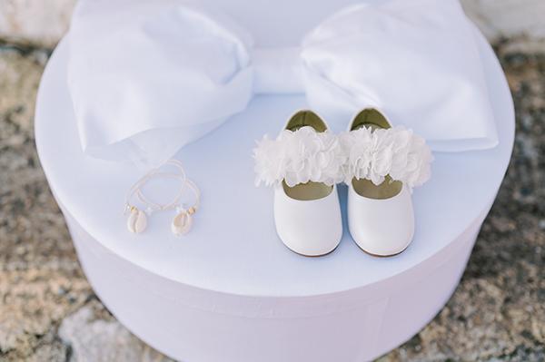 impressive-baptism-girl-spring-roses-somon-ivory-hues_04