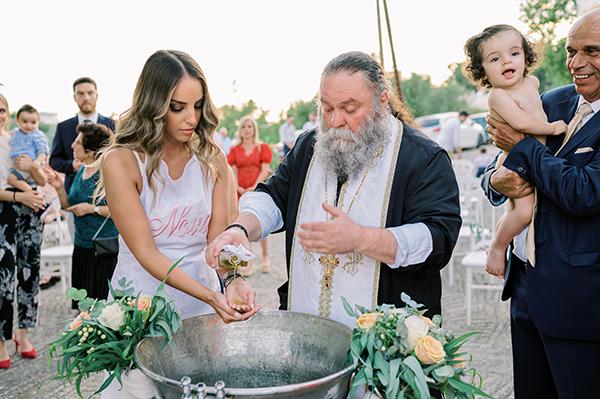 impressive-baptism-girl-spring-roses-somon-ivory-hues_21