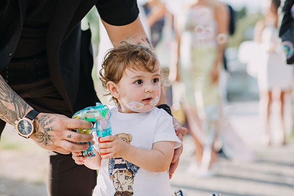 summer-baptism-boy-thessaloniki-hydrangeas-lycianthus-white-light-hues_15x