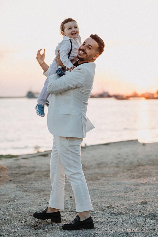 summer-baptism-boy-thessaloniki-hydrangeas-lycianthus-white-light-hues_16